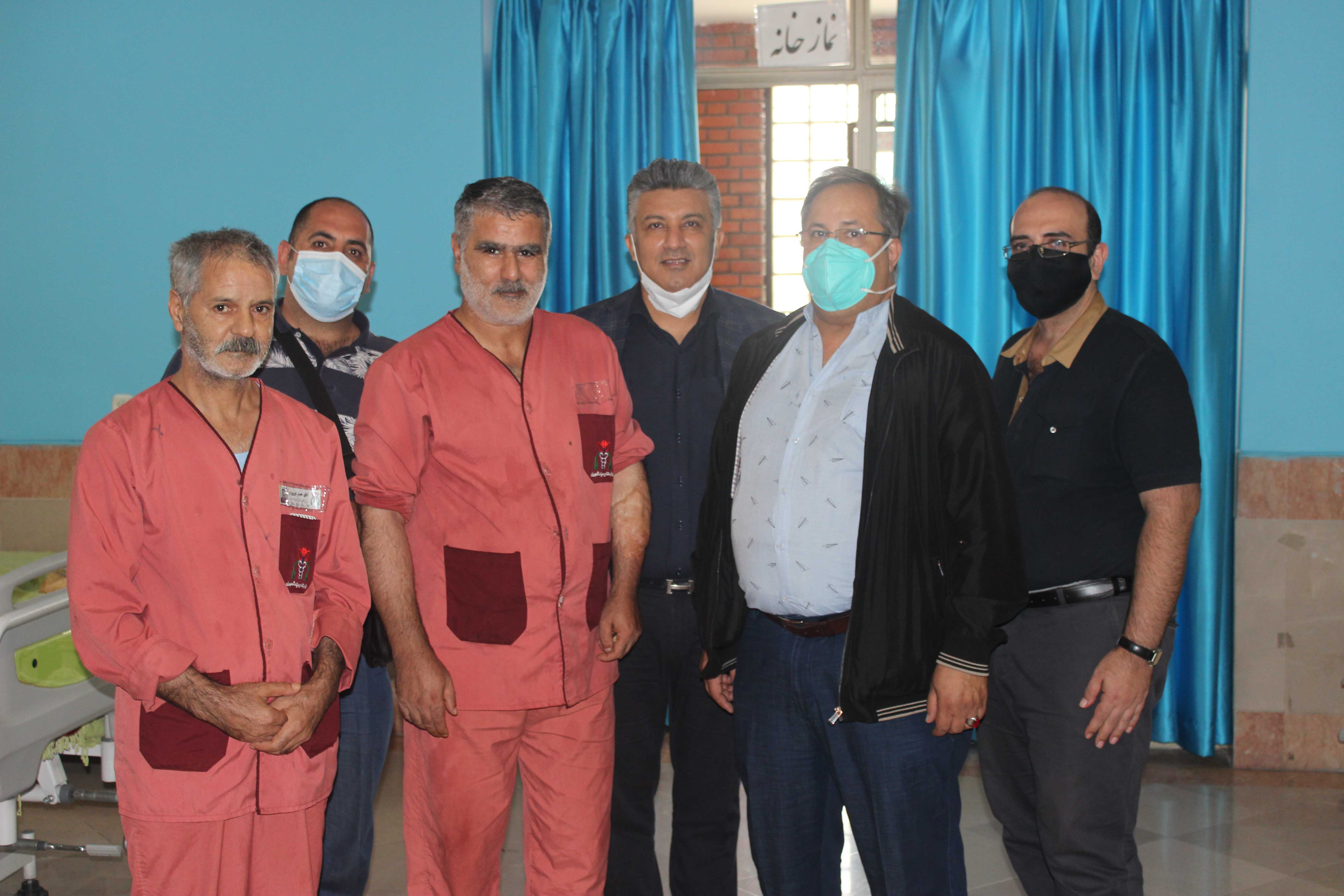 کمک های مومنانه خیرین شمیرانات به ایثارگران بستری در بیمارستان میلادشهریار