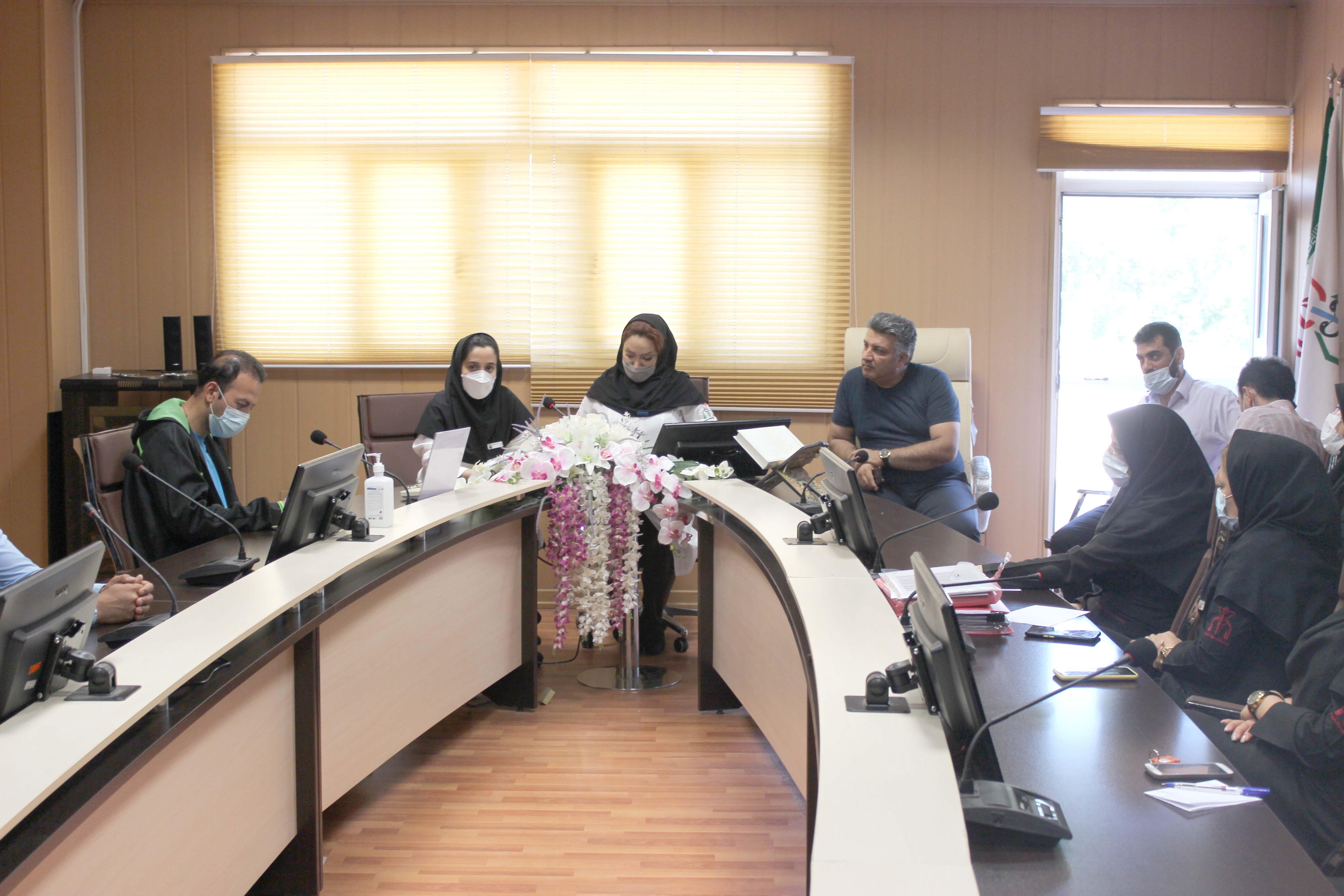 کلاس نحوه برخورد صحیح با بیمار اعصاب و روان در بیمارستان میلادشهریار برگزار شد